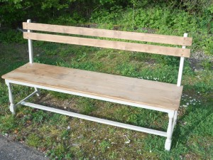 Pine bench with back