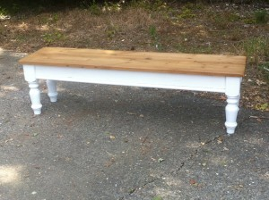 Pine bench with turned legs